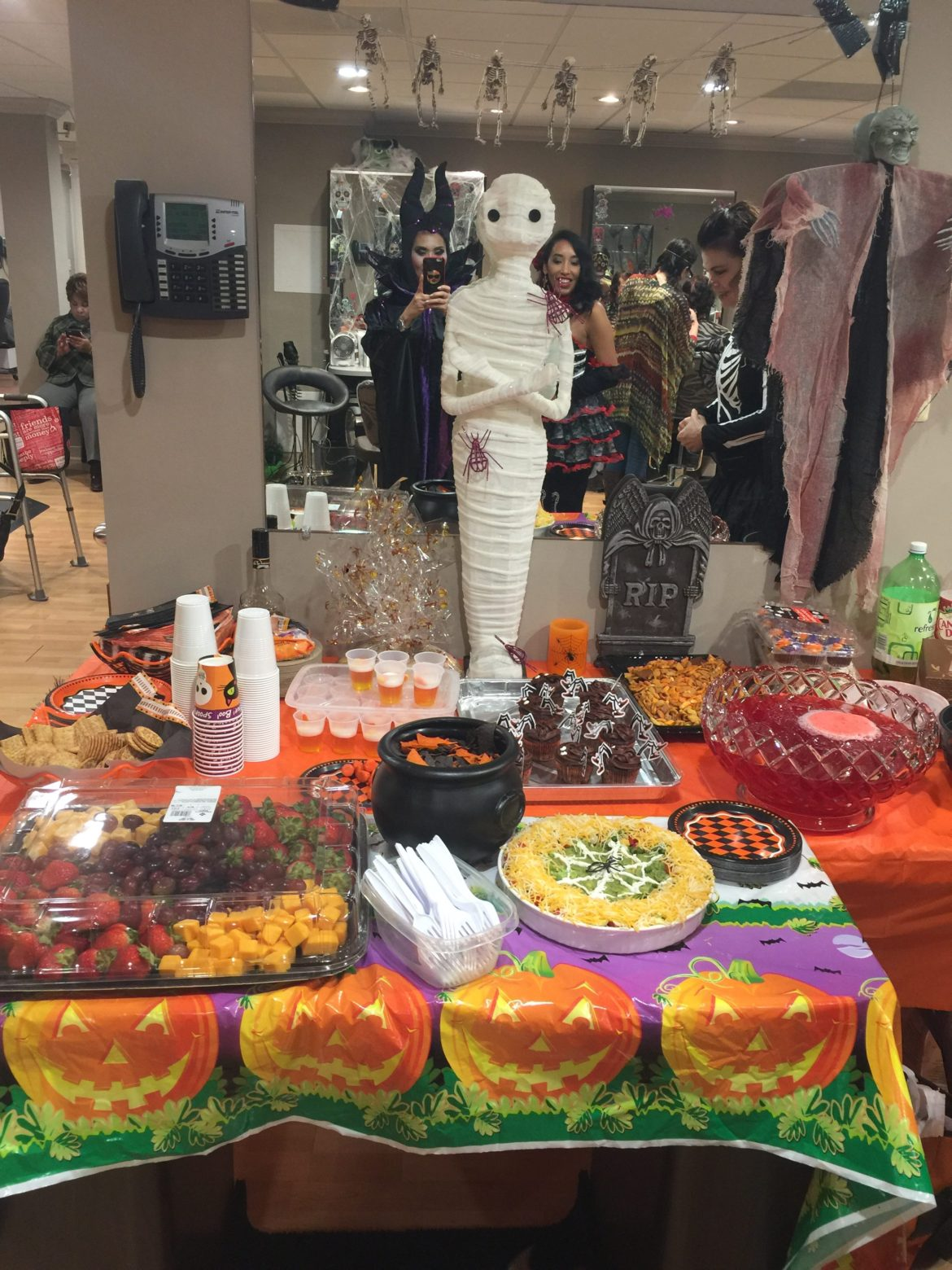 Halloween 2017 at Zibazz (Click here to see the whole gallery!)